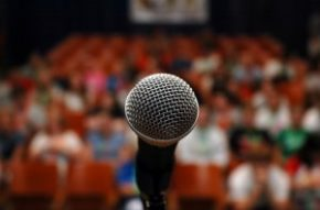 public-speaking-it-recruiter1-300x199 (1)